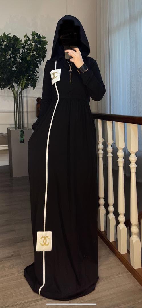 Платье с капюшоном, на замке оптом